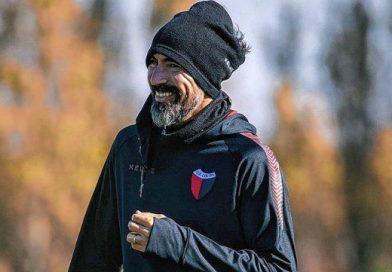 Eduardo Domínguez paró un sorpresivo equipo titular en Colón